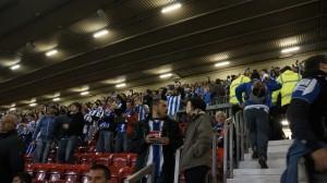 East Stand, 6000 de azul y blanco